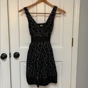 Black sleeveless women's dress